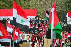 Syrie : Bachar al-Assad va à la rencontre de son peuple syrie_manifestations_2011_05-300x199